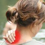Ansia, postura scorretta e lavoro sedentario: 6 esercizi per l'artrosi cervicale