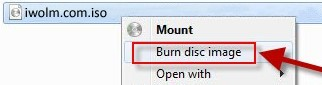 """Dalla finestra che viene aperta è possibile selezionare il disco su cui masterizzare ed eventualmente spuntare l'opzione per verificare i dati alla fine del processo di masterizzazione; una volta avviato il processo dovremo attendere qualche minuto per ottenere la nostra immagine disco masterizzata su CD/DVD. Masterizzare con Windows 8 La procedura su Windows 8 è simile a quella di Windows 7; una volta scelto il nostro file ISO o IMG dalla modalità Desktop possiamo cliccare con il tasto destro sul file e selezionare la voce """"Burn disc image"""" o """"Scrivi immagine disco""""."""